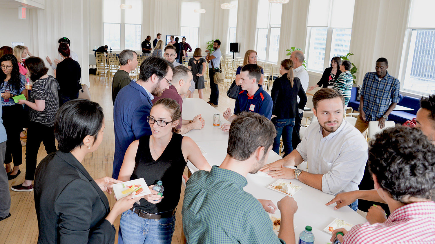 2018 Andrews Accelerator participants had time to network with local entrepreneurs and faculty before and after their team presentations at the HQ Capital Club in downtown Raleigh.